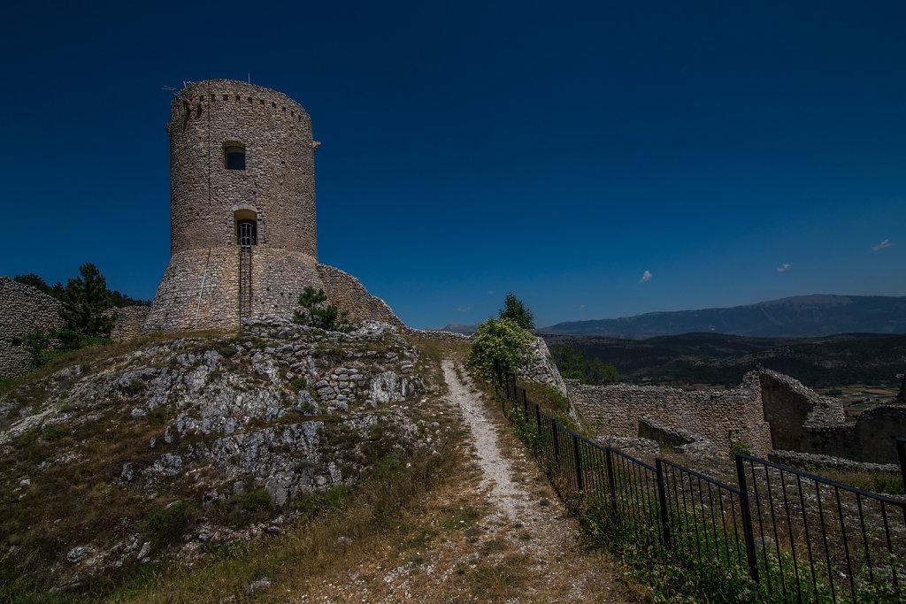 Bominaco (AQ) - Castello
